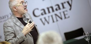 campus_vino_canary_wine_01